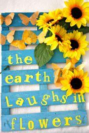 La tierra se ríe con flores