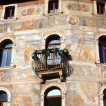 Frescos callejeros de Via Belenzani